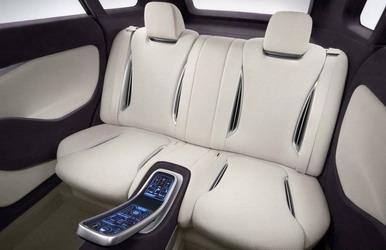 Mitsubishi представил гибридный кроссовер PX MiEV