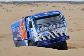 Старая версия тюнинга Камаза в гонке Париж-Дакар