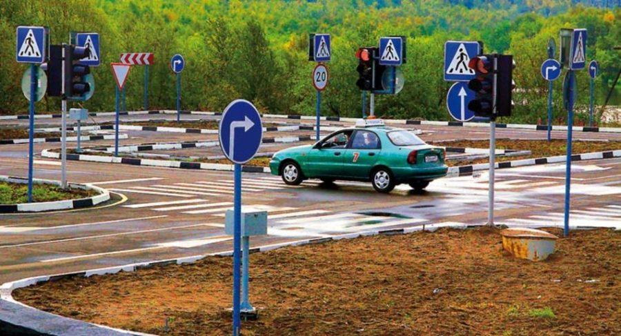 испытания на автодроме