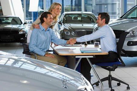 Кредит в автосалоне - плюсы и минусы