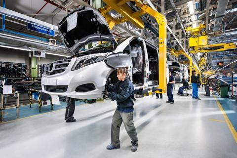 Автозавод Mercedes-Benz запустится в России в 2019 году
