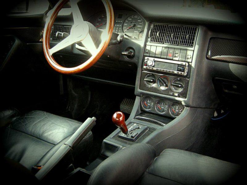 передняя панель и рулевая колонка audi80